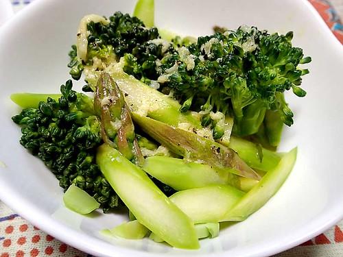 アスパラとブロッコリーのサラダ