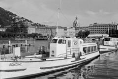 Una Rondine sul Lario (sirio174 (anche su Lomography)) Tags: battello battelli boat boats como navigazione lario lago lagodicomo comolake lake