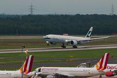 IMG_0135 (Benedikt Lang) Tags: planespotting airport germany dus eddl aircraft morning rain night bkqu b777367er cpa379 cx379 cathaypacific erstflug hkgdus