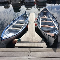 #faroeislands #chilling #boats (live-that-life) Tags: instagramapp square squareformat iphoneography uploaded:by=instagram aug16 faroeislands froyar trshavn boats