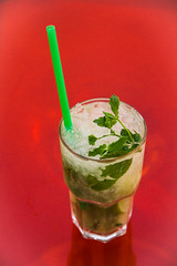 Cold drink ... 89,6F (michael_hamburg69) Tags: red green glass icecubes mintleaf mojito cocktail