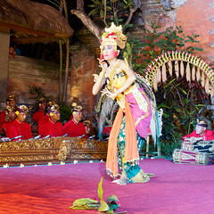 Legong Dance (Nana* <salala817>) Tags: legongdance ubud gamelan ramayana bali      dance    indonesia