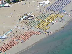 Grado Beach (Luftknipser) Tags: fotohttprenemuehlmeierde mailrebaergmxde luftaufnahme vonoben luftbild airpicture aerial outdoor italien italy landscape landsart beach coast sea blue deep boat grado island