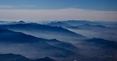 Valles Transversales II (www.pablotipo.cl) Tags: santiagodechile cerros colinas paisajes landcapes desdearriba bruma atardeceres niebla chile envuelo