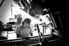 #Paris Shooting with @JulietteArmanet during the recording of her first album ! #music #Leica #LeicaCamera (albericjouzeau) Tags: blackandwhite music musique chanson sing song singer chanteuse paris france pop popfrancaise record recording studio enregistrement juliettearmanet cavalierseule leica leicacamera