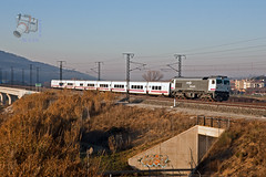 Talgo en Llinars del Valls (UT440 131M) Tags: barcelona train canon tren photography eos sexta photo spain gm europa europe general diesel mark sigma railway zug catalonia motors ii 1d 1900 alta catalunya oriental 221 serie f28 freight trainspotting rama spotting locomotora oriol ferrocarril renfe aleix talgo trainspotter lav generacin alco ligero 319 espanya inauguracin catalogne valls lnea spotter 2470 caldero corts adif ffcc administrador operadora ferroviarias mercancas llinars canonistas goicoechea 319221 ferrocat delvalls trenarticulado deinfraesstructuras 6b16 velocidadi
