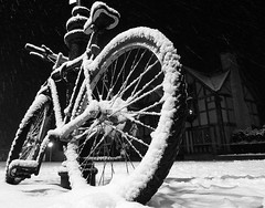 velo in the snow (kosta le rouge) Tags: snow bike bicycle cycling wheels cycle velo niege odc snieg blackwhitephotos