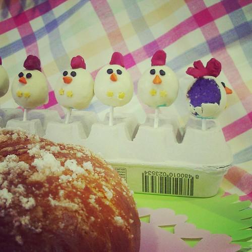 easter chicken cake pops