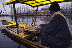 _AJP8615 (azj68@yahoo.com | +6 0138895959) Tags: travel winter red india lake snow boating kashmir srinagar himalaya kashmiri traveler shikara azman dallake nehrupark azmanjumat