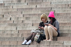 Helsinki_172 (Pancho S) Tags: girls people streets girl finland persona helsinki europa europe chica gente cities personas ciudades chicas scandinavia calles finlandia escandinavia