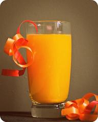 Jus d'Orange (Nellies78) Tags: pink orange kitchen colorful juice decoration orangejuice lint glas sap oranje 96 sinaasappelsap jusdorange strik 113pictures ashottakeninyourkitchen