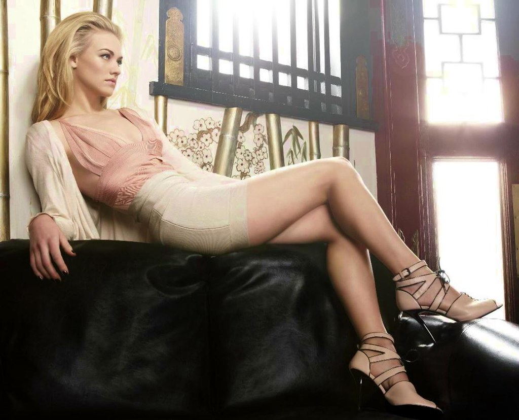 The World's newest photos of celebrity and strahovski ...