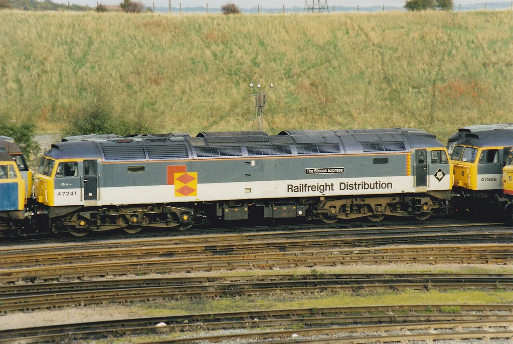 "47241 ""The Silcock Express"" (Yorkie Fatboy) Tags: class47 47241  tinsleytmd"