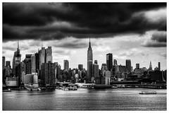 New York City - Manhattan Skyline 05 (Daniel Mennerich) Tags: canon dslr eos hdr hdri spiegelreflexkamera slr monochrom monochrome monochromephotography