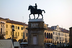 Donatello, Gattamelata (right) with street