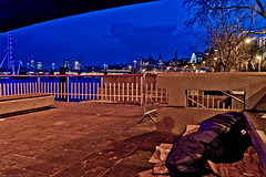Homeless, under Waterloo Bridge (frederic jon) Tags: nightphotography london westminster homeless riverthames embankment waterloobridge sleepingrough