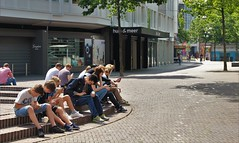 Pokmon Gekte (josbert.lonnee) Tags: pokmon people mensen gekte drukte outdoor street plein square