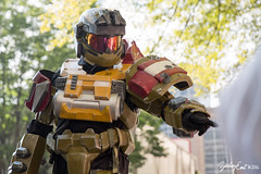 20160903-104104-5D3_7432 (zjernst) Tags: 2016 armor atlanta convention cosplay costume dragoncon halo helmet parade spartan videogame weapon crowd street