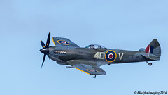 achtung spitfeur (blackfox wildlife and nature imaging) Tags: canon 80d sigma150600mmossport rhylairshow2016 spitfire theredarrows airshow rhyl