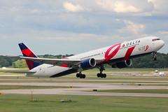 N845MH | Boeing 767-432ER | Delta Air Lines (special BCRF colours) (cv880m) Tags: detroit wayne metro dtw dtt kdtw michigan n845mh boeing 767 764 767400 767432 dal delta deltaairlines bcrf breastcancerresearchfoundation