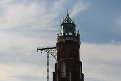 Old Lighthouse (Foto-Aestheticus) Tags: harbor harbour light lighthouse house sky bluesky summer red green brick bakestone clinker outside outdoor canon bremerhaven germany