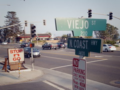Stop 'n Go, PCH and Viejo, Laguna Beach (EllenJo) Tags: roadtrip summer august30 vacation pentaxqs1 ellenjo arthotel pch northcoasthighway hotel