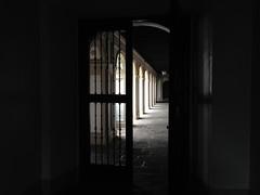 Al claustro (marcrodhe) Tags: vanishing guatemala palacioarzobispal