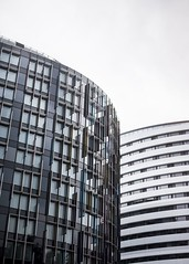(Esther'90) Tags: london londoncity london2016 buildings glass glassbuilding city citylife cityscape citywalk minimalism sky september autumn autumnfall fall 2016 reflection