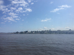 """Buenos Aires: trajet de Colonia à Buenos Aires à bord d'un ferry. Vue sur Colonia. <a style=""""margin-left:10px; font-size:0.8em;"""" href=""""http://www.flickr.com/photos/127723101@N04/29797989935/"""" target=""""_blank"""">@flickr</a>"""