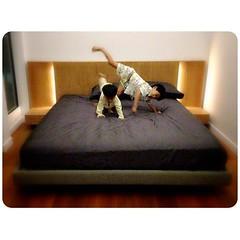 ลองเตียงที่นอนใหม่คืนแรกด้วยท่าถีบช้างก้านกล้วย 5555