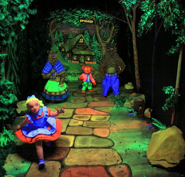 Rock City's Fairyland Caverns: Goldilocks