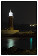 Luz en la oscuridad (PITUSA 2) Tags: espaa macro luz canon faro noche mar galicia pitusa pontevedra vigo oscuridad