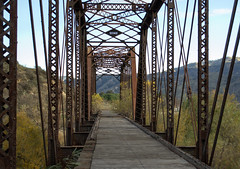 Piru: Former Southern Pacific rail bridge (0335) (DB's travels) Tags: california railroad bridge abandoned temphrr