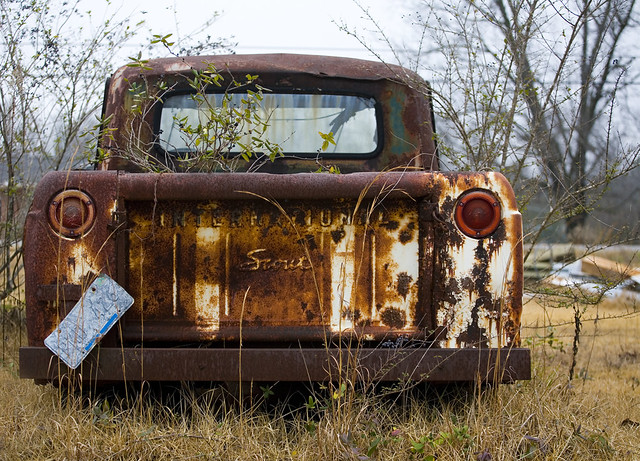 auto old travel usa overgrown rural america truck lights back al decay rear alabama rusty plate pickup scout off number international license vehicle americana roadside haning wreck licence junker rustyandcrusty internationalharvester steverichard rustygem