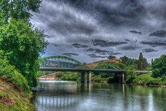 Winston Bridge, Oregon (Thad Roan - Bridgepix) Tags: bridge sky water clouds oregon river arch steel winston hdr thad roan facebook d800 umpqua truss 201205 bridgepixing bridgepix