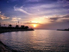 Sun Set (Ahmed Fareed 2010) Tags: sea sun set   dammam    flickrandroidapp:filter=none