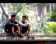 Buddies (jean-marc rosseels) Tags: man color male men boys colors canon indonesia java chat buddies candid guys buddy bandung candidportrait canon7d jeanmarcrosseels