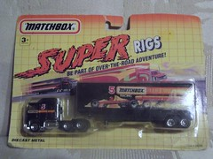 Matchbox Super Rigs Kenworth Aerodyne (rutaloot) Tags: truck toy model semi camion trailer convoy matchbox juguete 18wheeler kenworth tyco cabover chato aerodyne superrigs