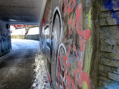 Tunell with grafitti (Vidar Ringstad,Skedsmo) Tags: winter red white snow cold yellow norway canon concrete norge frozen vinter europa paint frost grafitti tag norwegen tags powershot holt scandinavia rd undergang gul maling sn betong s100 kaldt hvit fortau tagga tunell frossen skedsmo gangvei skedsmokorset holtvestvollen bestevercompetitiongroup gangtunell