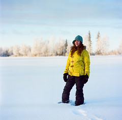 72710001.jpg (lauritadianita) Tags: winter woman white snow cold field daylight mujer friend arboles iso400 nieve amiga redhead hasselblad golfcourse birch frigid spruce youngwoman frio winterjacket mittens chava alaskan llano kodakfilm snowpants abrigo portra400 cuate whitewoman mystie arcticvalley woolhat sisterfriend wasillawoman