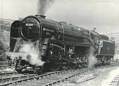 92220 (hugh llewelyn) Tags: br railway class valley worth 2100 keighley eveningstar riddles 9f no92220 alltypesoftransport