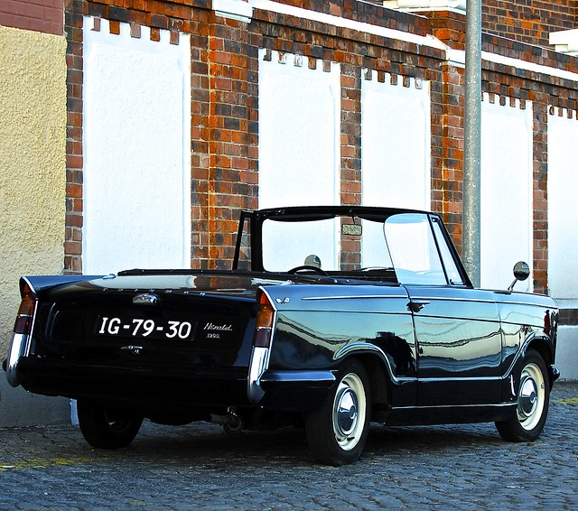portugal car automobile lisboa lisbon transport cc belem creativecommons classiccars automobiles coches lisboanarua autoglamma worldcars