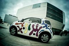 Toyota de Joana Vasconcelos dá cor à cidade (Toyota Portugal) Tags: arte aeroporto urbanart porto baixa leçadapalmeira casadamúsica siloauto joanavasconcelos toyotaiq carropintado