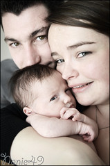 Miguel, Elodie & Louna. (nanie49) Tags: family famille portrait baby france childhood familia kid nikon child retrato newborn enfant infancia nio bb kindheit bambino enfance nouveaun reciennacido  infanzia d7000