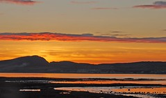sundown over Loch Indaal (glenfinlas) Tags: sunset scotland islay lochindaal