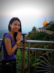 Pray with Golden Rock (kudumomo) Tags: burma myanmar kyaiktiyo goldenrock   kyaiktiyogoldenrock