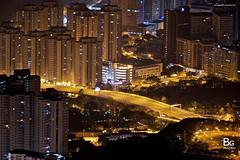 Hong Kong Night View :: Kowloon Peak (飛鵝山), Hong Kong (bgfotologue) Tags: city sunset urban hk moon night stars landscape hongkong lights town neon peak victoria moonrise neonlights 城市 香港 夜景 日落 magichour 風景 victoriahabour afterglow cityview 夜 月 維港 維多利亞港 月亮 彩虹 星 月光 choihung 飛鵝山 kowloonpeak 霓紅 feingomountain