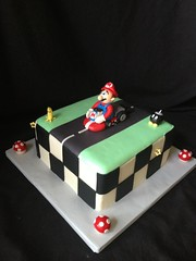 "Super mario cake • <a style=""font-size:0.8em;"" href=""http://www.flickr.com/photos/60584691@N02/8546770189/"" target=""_blank"">View on Flickr</a>"