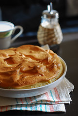 Banana cream meringue pie (Zzmeika) Tags: food pie sweet meals cream pudding meringue bananacreampie banan bananapie