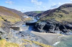 Boscastle harbour, north Cornwall (Baz Richardson (trying to catch up!)) Tags: sea coast landscapes cornwall seascapes harbour cliffs rivers boscastle northcornwall rivervalency cornishharbours